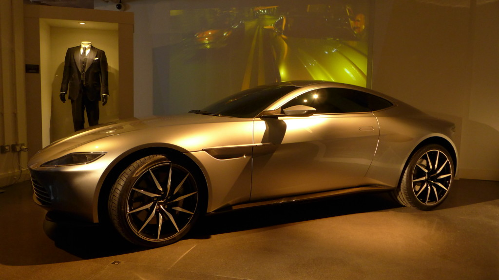 THE CARS OF SPECTRE Launch - DB10 - 17-11-15 - Photo © Mark O'Connell (15)